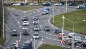 Как избежать штрафа при проезде кругового перекрёстка?